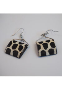 Cowhorn earrings with cow patterns