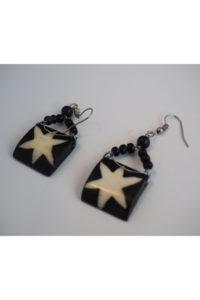 Finnkibu cowhorn earrings with star-pattern